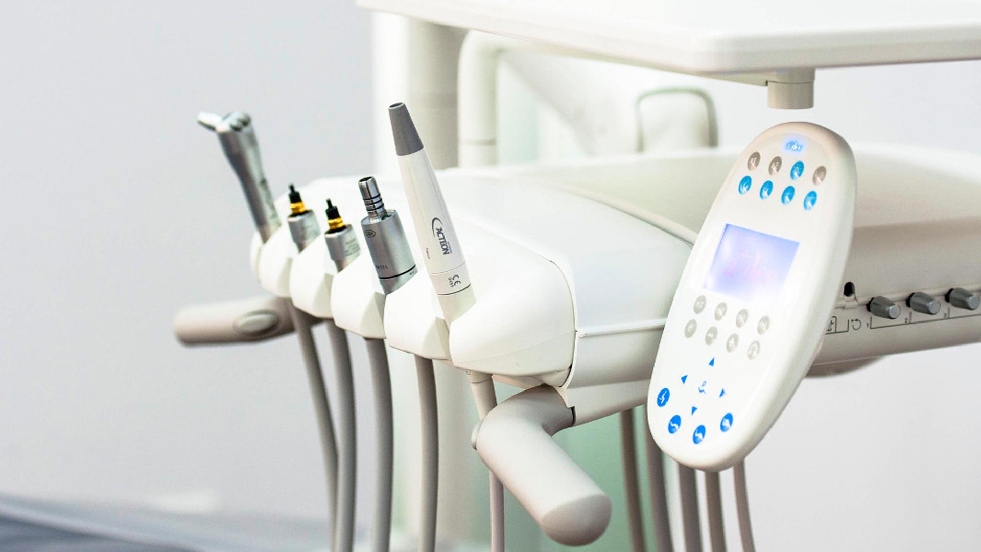 TEETH Tiong Bahru neighborhood dental clinic equipment 1